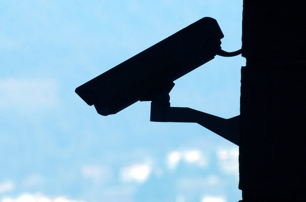 Lugano: telecamere e videosorveglianza. Nella foto una telecamera di sorveglianza. © Ti-Press/Gabriele Putzu