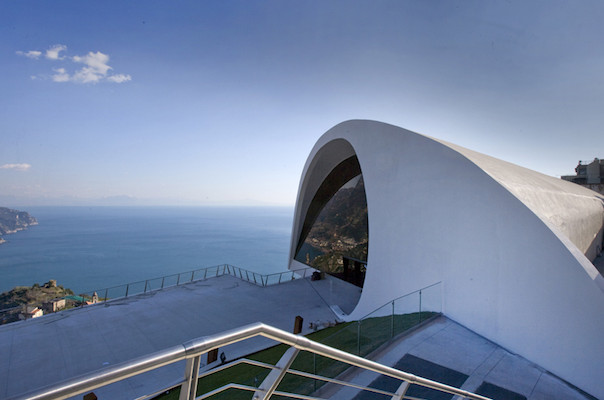 Auditorium-Oscar-Niemeyerr